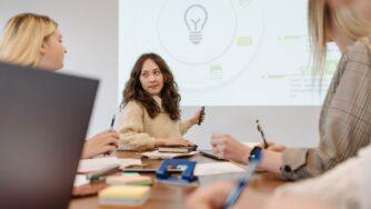 Метод Дельфи: оценка эффективности решений
