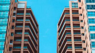Какие профессии востребованы в сфере недвижимости? Интервью с Александром Зильбертом, директором по информационной политике и корпоративным коммуникациям «Группа ЛСР»