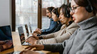 Как развить коммуникативные навыки быстро и без стресса?